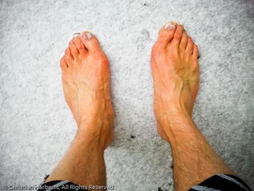 Pieds nus dans la neige