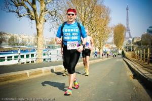 """Christian """"Barefooteur"""" avec ses huaraches sur l'EcoTrail 30K 2012"""