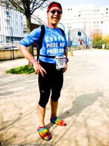 """Christian """"Barefooteur"""" avec ses huaraches sur l'EcoTrail 30K 2012 - Photographe Elisabeth Harberts"""