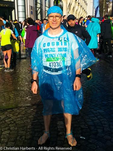 Christian Harberts, Marathon de Paris 2016 pieds nus - prêt à rejoindre le sas des 4H.